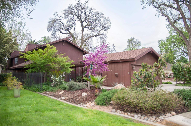 1703 W Beverly Drive, Visalia, CA 93277
